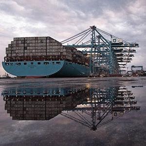 Marítima y naviera